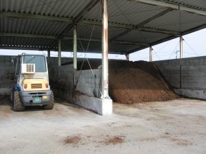 160601西岡さんの堆肥舎